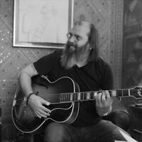 Steve Earle and The Dukes perform Guitar Town