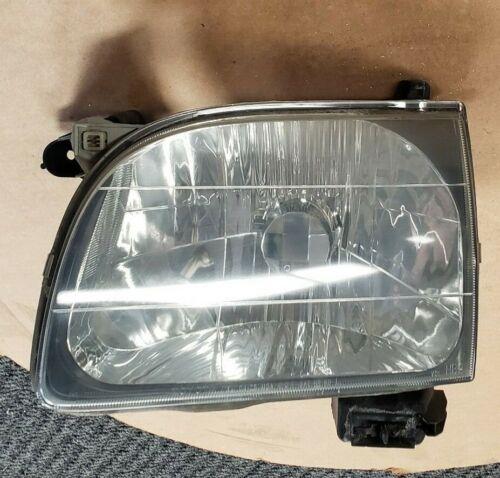 2001 2002 2003 2004 Toyota Tacoma Headlight Headlamp Driver Side *Used
