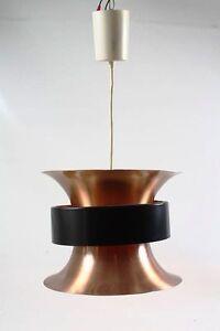 kleine-Haengelampe-UFO-Lampe-Kult-Retro-Design-Space-Age-Kuechenlampe