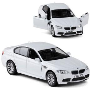 SCALA 1/36 BMW M5 Modello Auto Diecast Veicolo Giocattolo Regalo Bambini Pull Back Bianco Nuovo