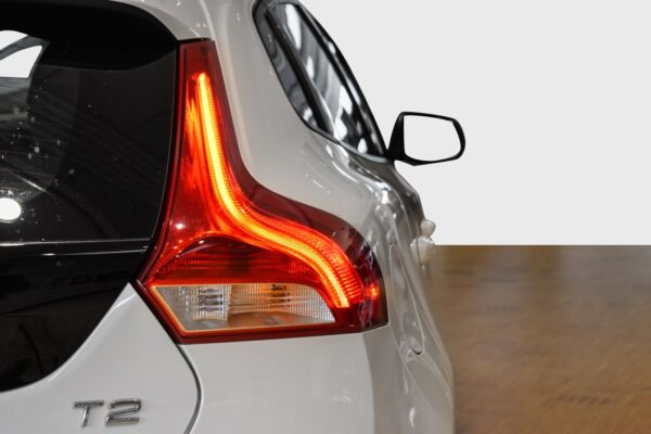Volvo V40 2,0 T2 122 Kinetic - billede 3
