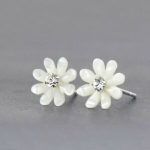 New-Lady-925-Sterling-Silver-9mm-White-Mother-of-Pearl-Cute-Flower-Stud-Earring