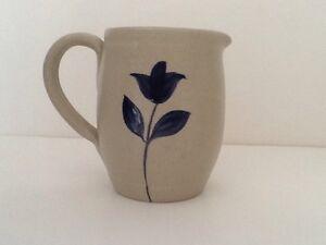 WILLIAMSBURG-Pottery-Cobalt-Blue-Leaf-Accent-Glazed-Stoneware-Small-PITCHER-USA