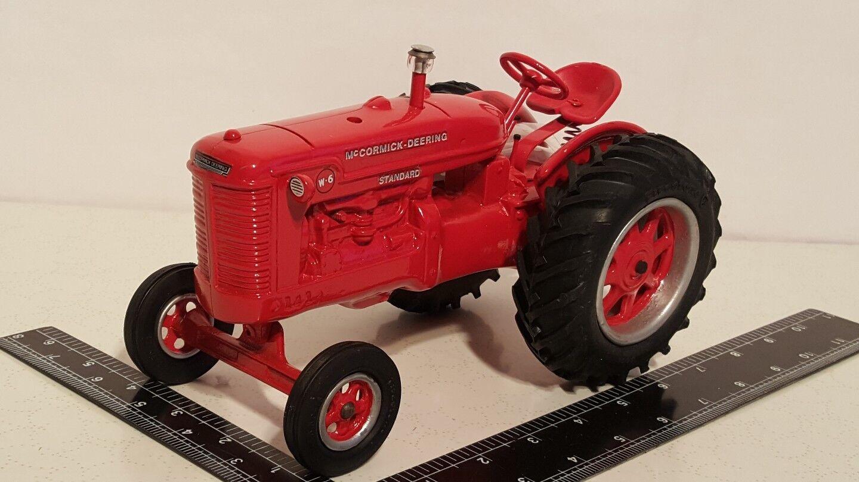 Colección de copias de tractores agrícolas moldeados McCormick Deering Standard W - 6 1   16