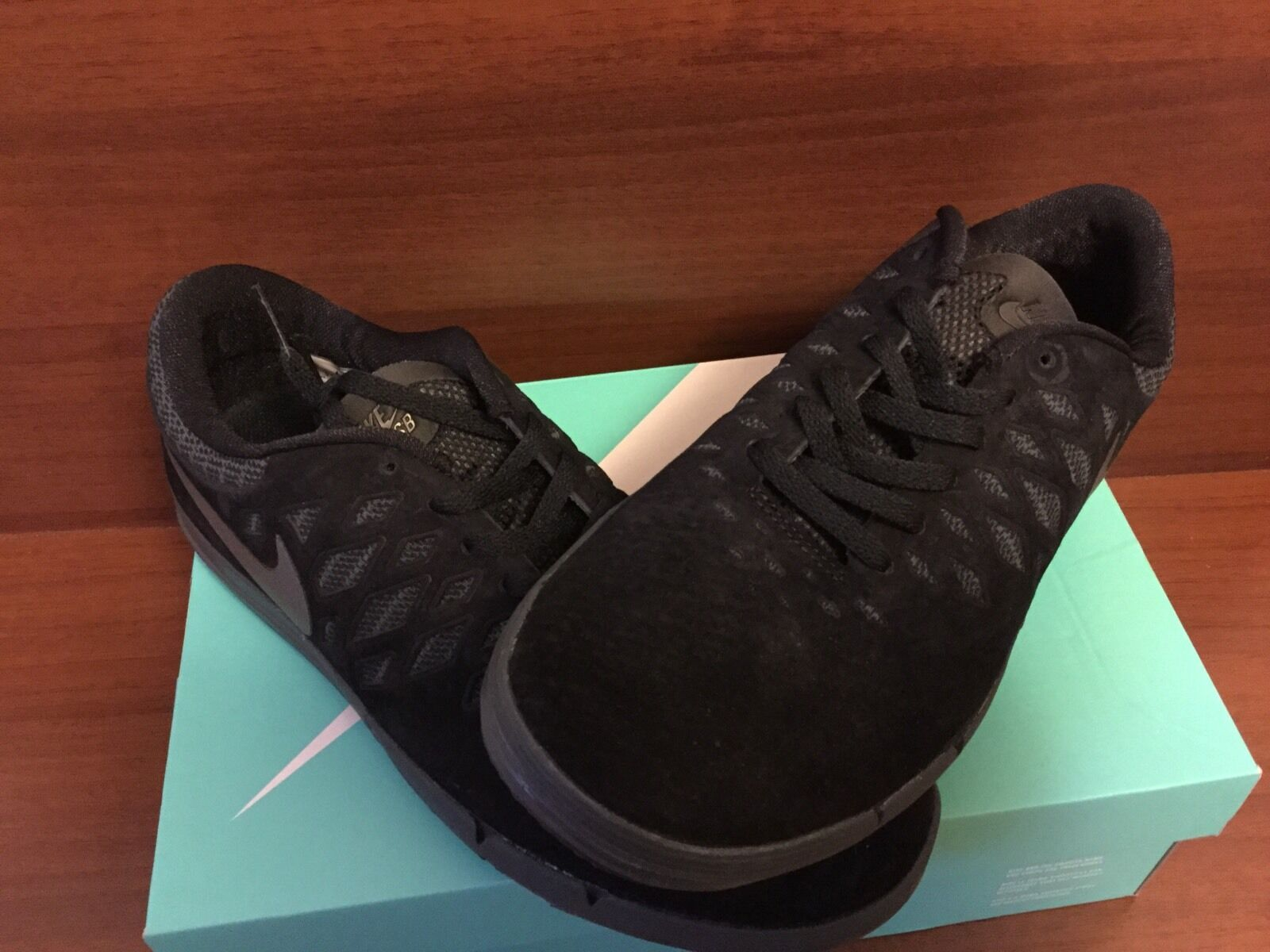 Nike Free SB PRM Black Anthracite 743184 001 NIB Size 9.5