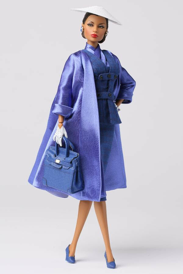 Lady Aurelia grigio Midnight Kiss bambola The East 59th Collection 73010