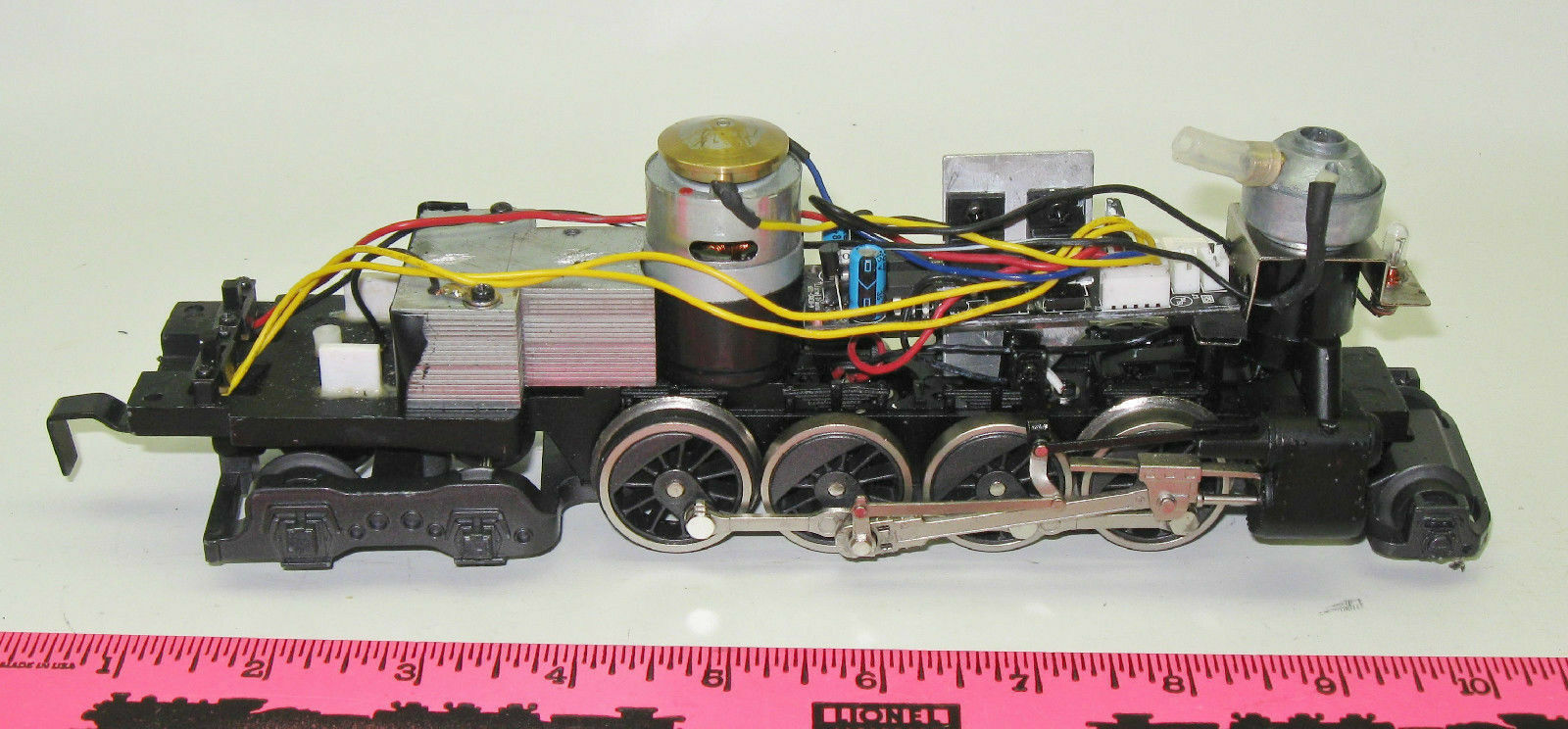 Lionel 2-8-4 Steam motor wheel frame assembly with smoke
