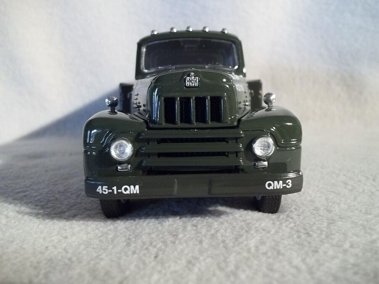 First Gear No.29-1380 No.29-1380 No.29-1380 U.S. Army 1957 International Fuel Tanker 1 34 Scale 8e4950