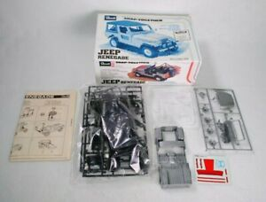 Revell-Snap-Together-Jeep-Renegade-1-25-Scale-Model-Kit-6209-Opened-Complete