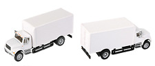1:87 HO Scale International 4900 White 2 Axle Box Truck SceneMaster #949-111290