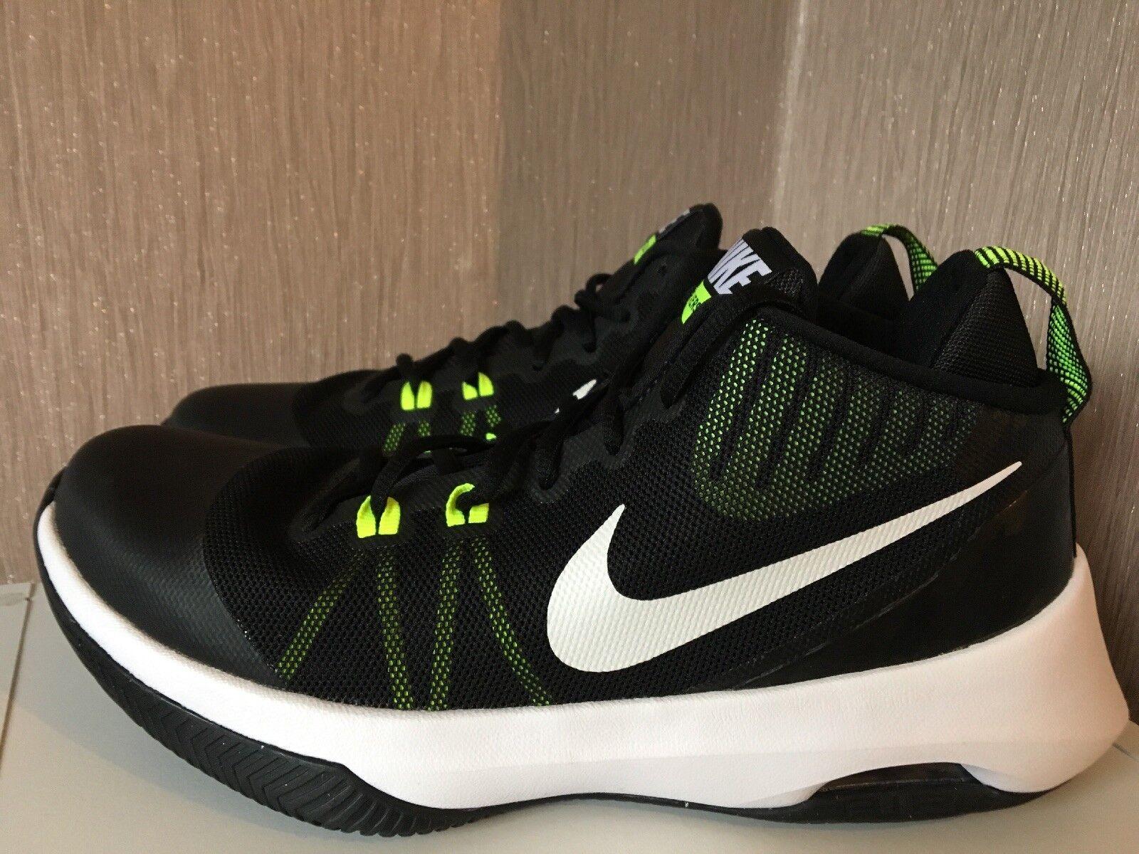 Nike Air Versitile Mens Uk 7 Brand New C43