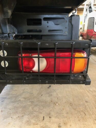 NISSAN CABSTAR Heavy Duty Guardie Luce Posteriore Coppia