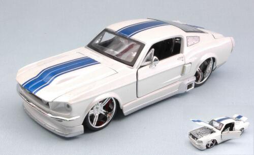 Ford Mustang Gt 1967 White W// Blue Stripes 1:24 Model MAISTO