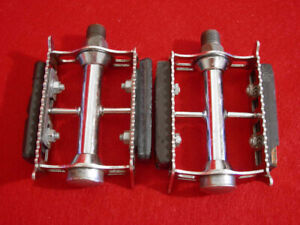 Vintage-Lyotard-Pedal-Pedals-Chrome-Steel-Spoke-Nice-France-Road-Used