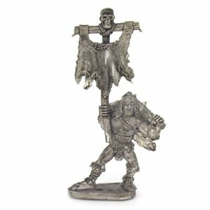 Barbarian-Standard-Bearer-Warhammer-Fantasy-Armies-28mm-Unpainted-Wargames