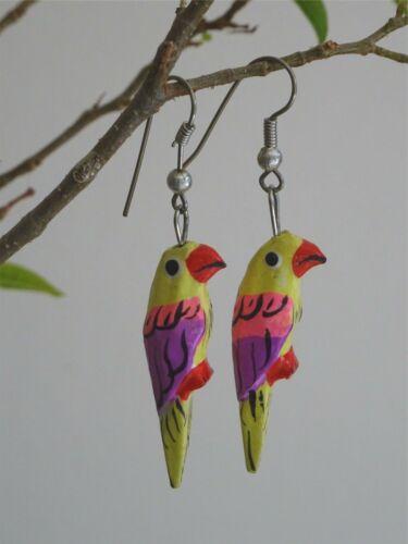 Parrot pendientes Pintado a Mano Hecha a Mano Tallada /& tropical Loro Aves pendiente EJK23