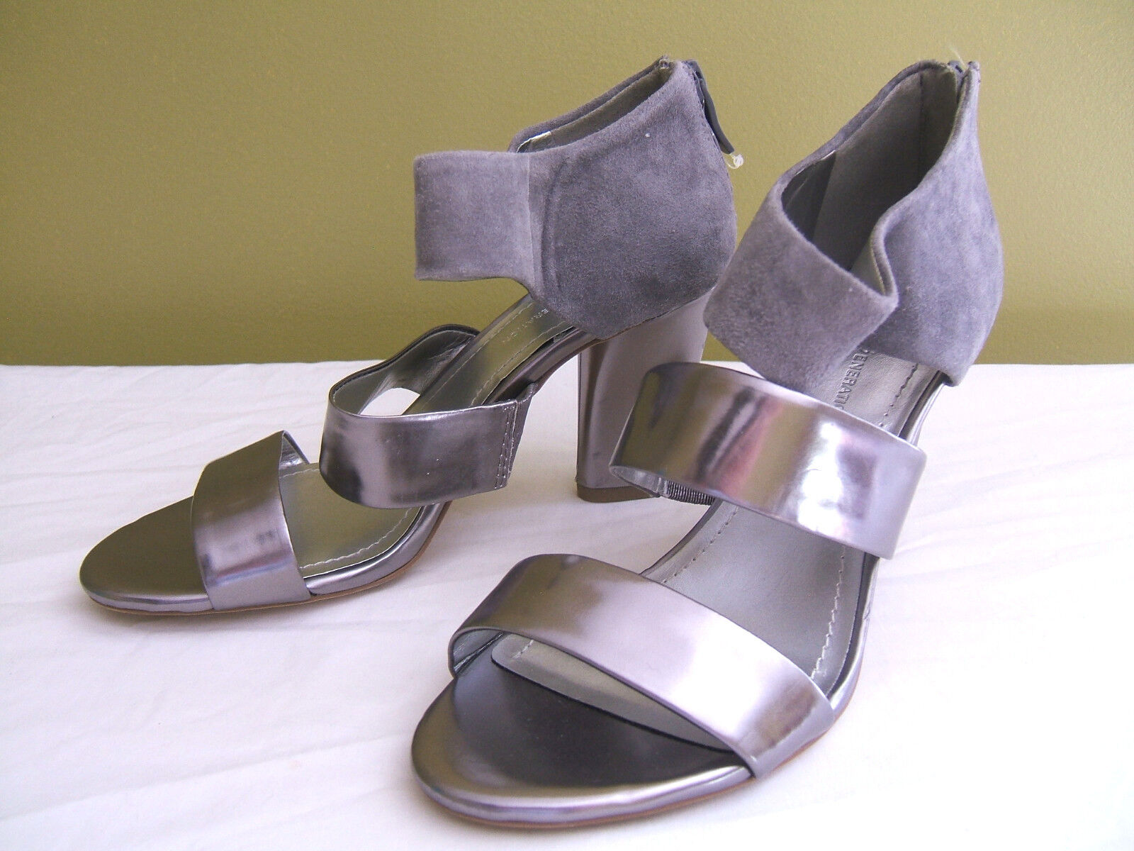 NEW  BCBGeneration Gorgeous Leather Suede Orianthi Silver Heels Sandals Sandals Sandals 7 B  128 f48a20