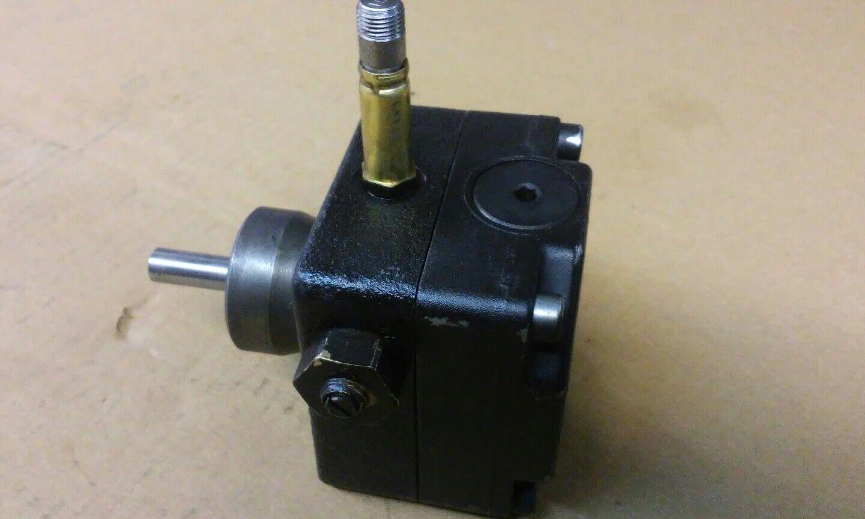 Ölpumpe Danfoss BFP 21 L3  LE 071N2108 Brenner Brennerpumpe Ölbrennerpumpe