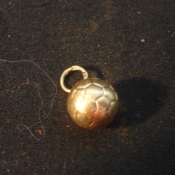 14K Yellow gold Soccer Ball Pendant Sports Jewelry .64 Grams NOT SCRAP
