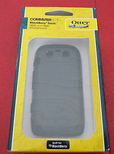 Authentic-OtterBox-Commuter-Blackberry-Torch-9850-amp-9860-Black-Silicone-Case