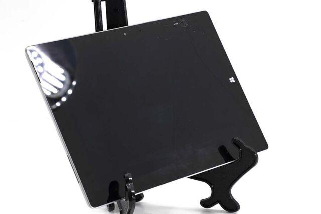 Microsoft Surface 3 64GB (Silver) 1657 PLEASE READ