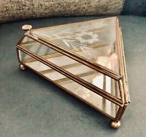 Vintage-Etched-Glass-amp-Brass-Trinket-Jewelry-Box-Triangular-w-Mirror-Bottom