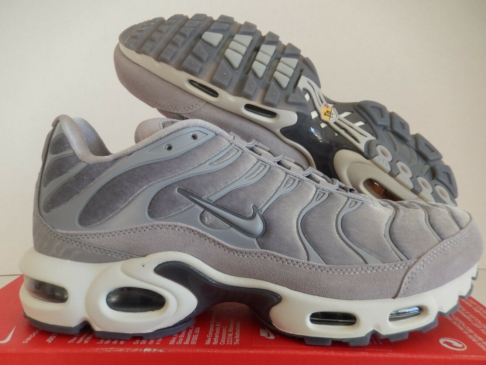 WMNS NIKE AIR MAX PLUS LX GUNSMOKE-ATMOSPHERE GREY SZ 11 [AH6788-001]