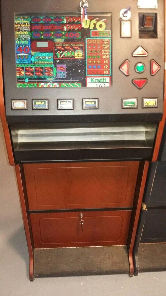 Ufo, spilleautomat, God
