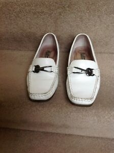 J-Loren-White-Leather-Slip-on-with-metallic-Buckle-Shoes-Size-EU-38-UK-5-5