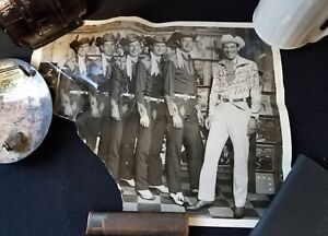 8x10-black-amp-white-photo-signed-by-Ernest-Tubb-and-The-Texas-Troubadours