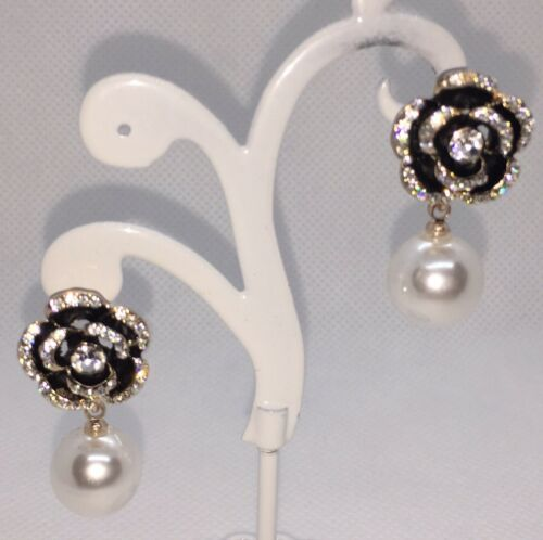 Pendientes de Camelia Flor Perla y Cristal diamantés perforado espumoso Glamour Nuevo