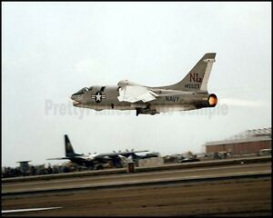 USN-Vought-F-8-Crusaders-VFP-63-NAS-Miramar-1976-8x10-Photo