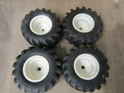 KYOSHO TRACKER SET OF WHEELS AND TYRES VINTAGE
