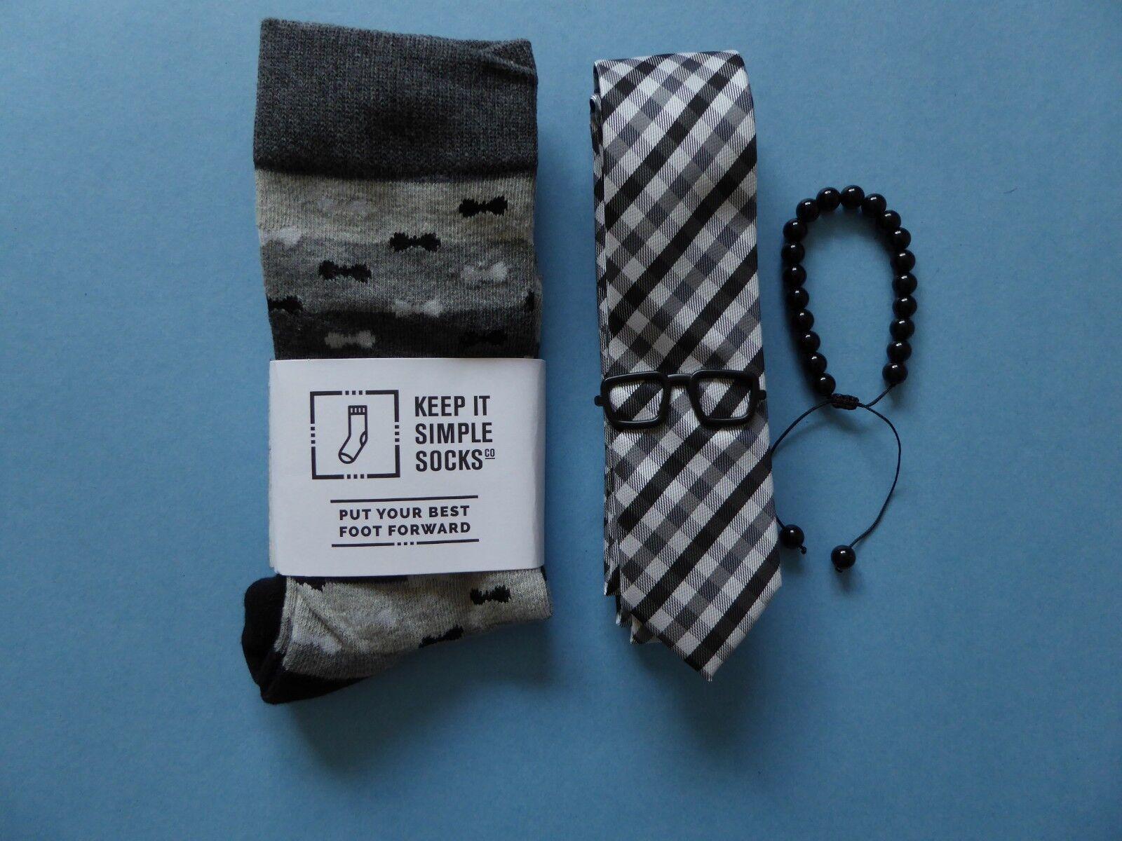 Keep it Simple Bow Tie Socks + Tropicalia Bracelet + Tie Bar + Black Gray Tie