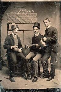 ORIG VICTORIAN Tintype Ferrotype Photo c1860s THREE GENTLEMEN WISHING WELL POSE - England, United Kingdom - ORIG VICTORIAN Tintype Ferrotype Photo c1860s THREE GENTLEMEN WISHING WELL POSE - England, United Kingdom