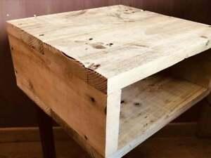Table de chevet ou table d'appoint de chevet