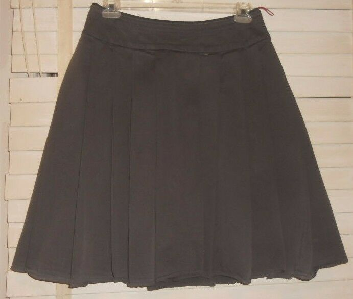 Prada   Art to Wear  Olive Pleated Cotton A-Line Skirt  44