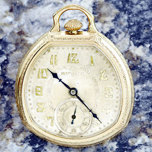 RARE-HAMILTON-POCKET-WATCH-CA1939-WITH-12-SIZE-GOLD-FILLED-STIFF-BOW-CASE