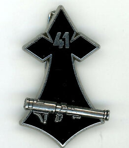 Infanterie Brevet 41° RI hermine LRAC de 89 mm argent