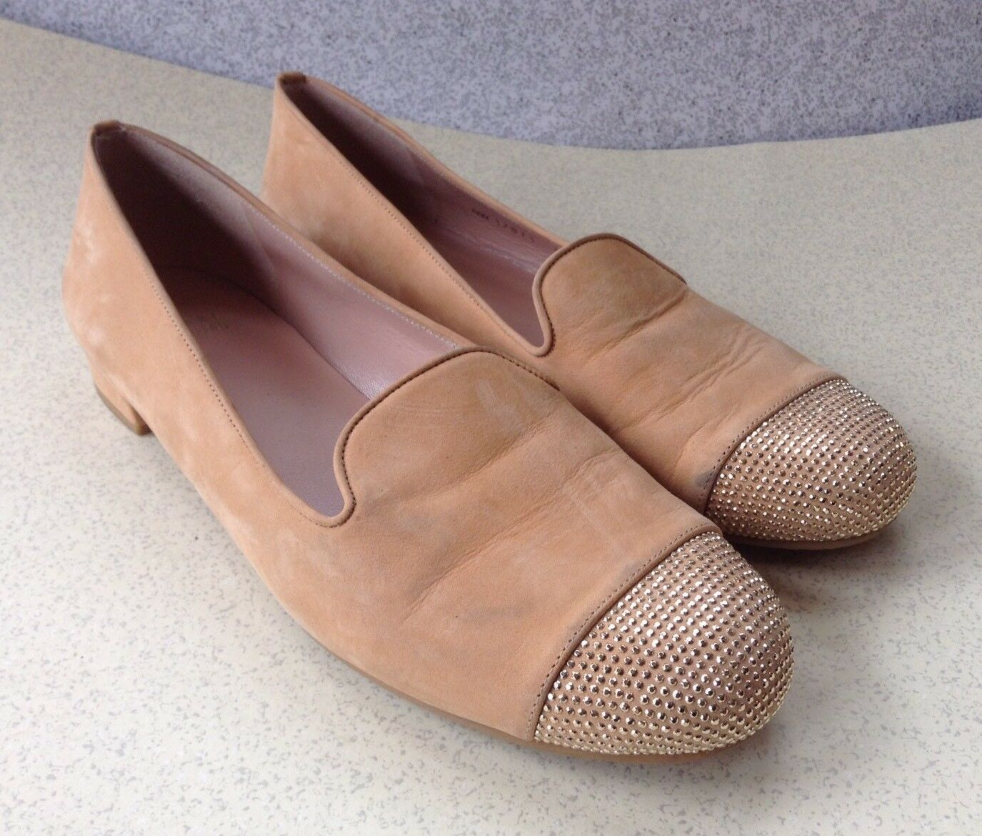 Stuart Weitzman Nude Suede Slip On Flats Sze 9.5M argent Beading Accent Glamour