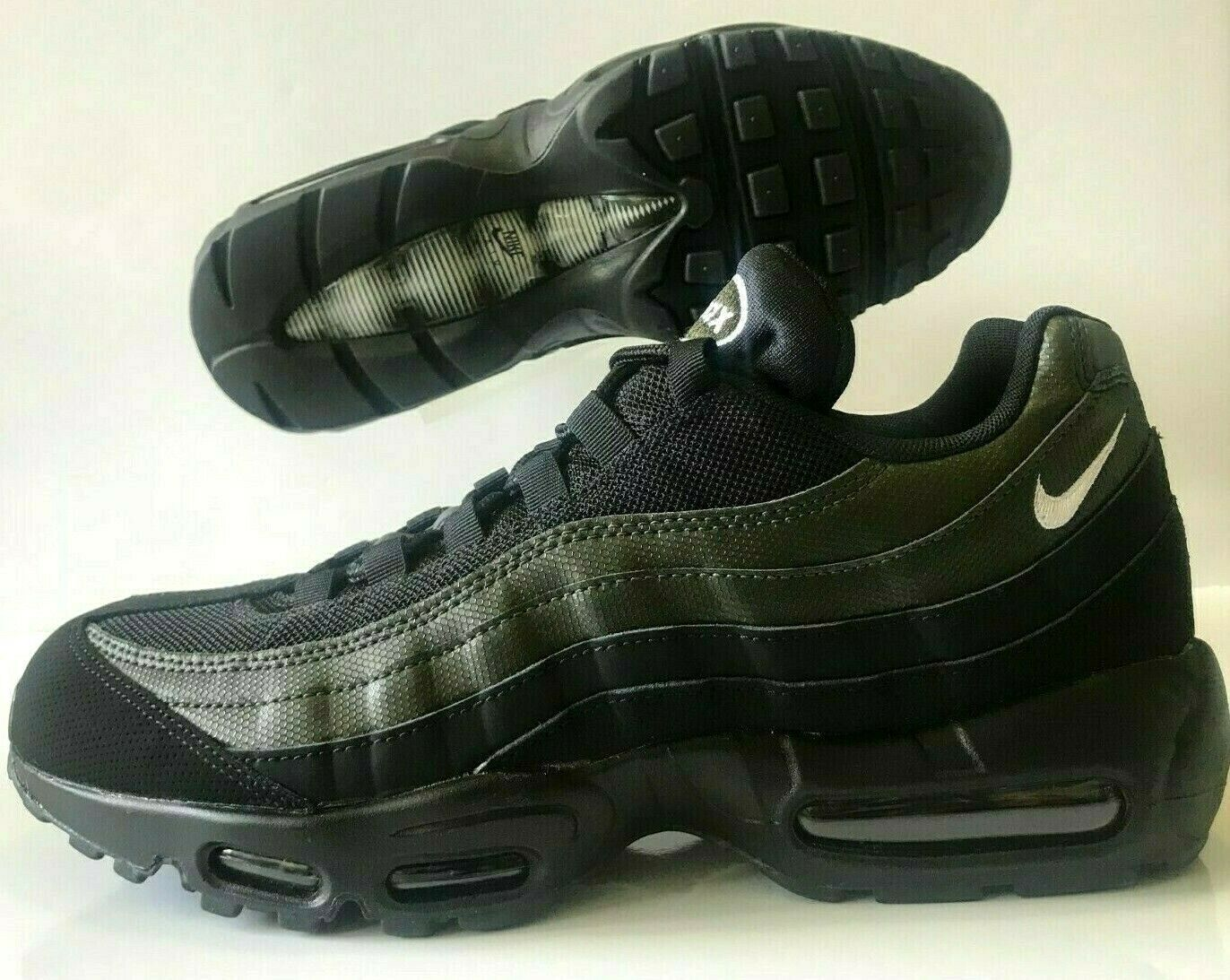Nike Air Max 95 Essential Running shoes Black Sequoia Green Size 7 (749766-034)
