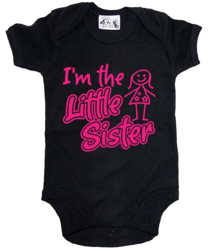 """Dirty Fingers /""""I/'m the Little Sister/"""" Baby Girl Bodysuit Babygrow New Sister"""