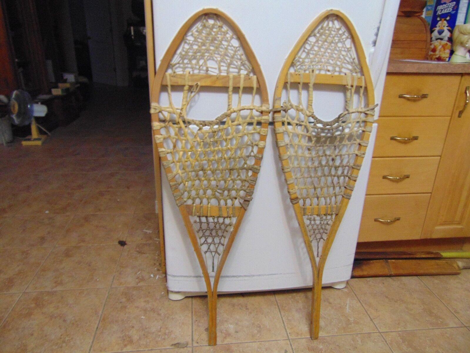 Vintage     snowshoes       13   x  43  chalet decor    nice