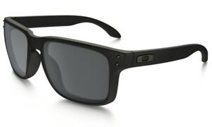0da190eced Image is loading NEW-Oakley-Holbrook-Sunglasses-Matte-Black-Black-Iridium-