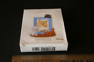 Disneys The Aristocats Picture Purrfect Christmas Photo holder 2007