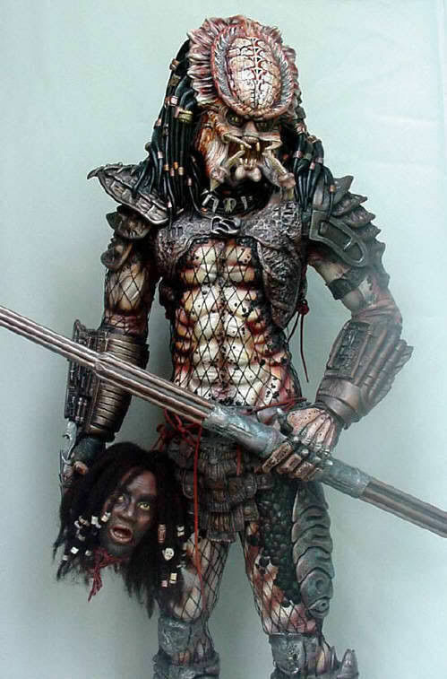 Predator 2 resin model kit.1 3 scale stands around 28  on base   unpainted