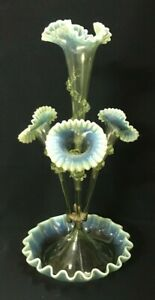 4-TRUMPET-1890-039-S-EPERGNE-GREEN-VASELINE-GLOWING-UV-URANIUM-GLASS-RUFFLE-EDGES