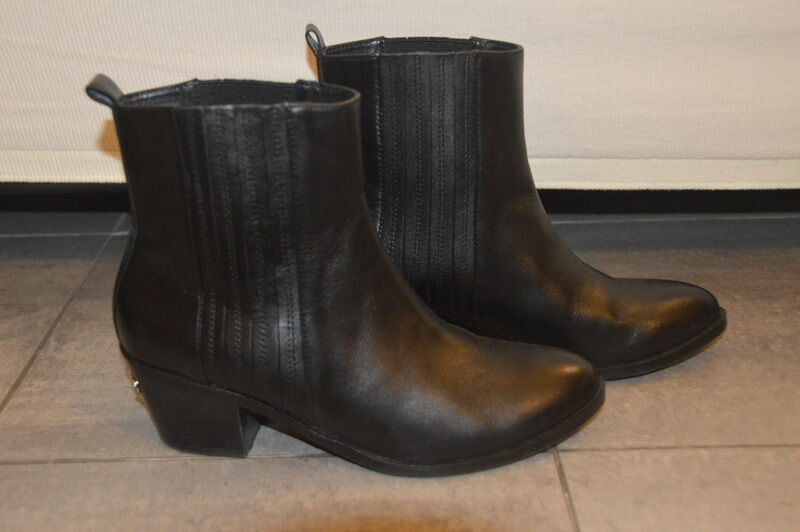 edizione limitata Stivaletti neri pelle LIU JO JO JO leather nero ankle stivali UK4 EU37  garanzia di qualità