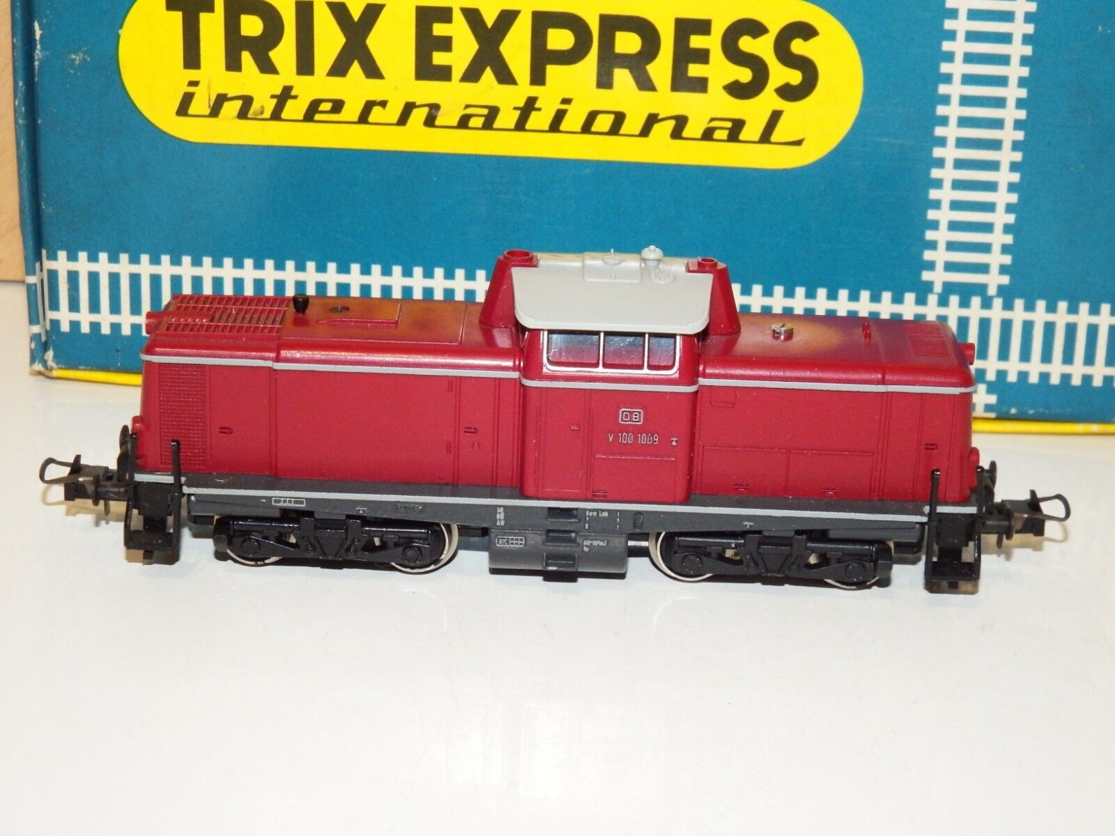 H0 Trix 2466 Diesellok der DB BR V100 1009 TOP OVP 6769