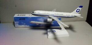 FLIGHT MINATURE CNAC ZHEJIANG AIRLINES A320 1:200 SCALE PLASTIC SNAPFIT MODEL